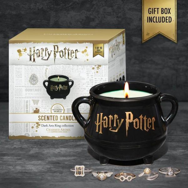 Charmed Aroma - Duftkerze mit Schmuck - Harry Potter Hexenkessel Kerze (Ring)
