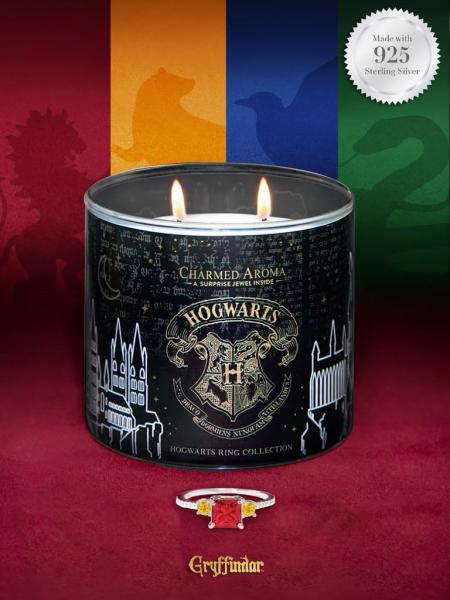 Charmed Aroma - Duftkerze mit Schmuck - Harry Potter Hogwarts Kerze Gryffindor (Ring)