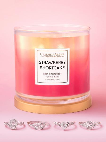 Charmed Aroma - Duftkerze mit Schmuck - Strawberry Shortcake Kerze (Ring)