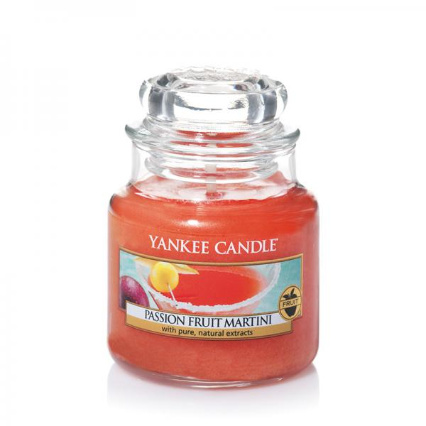 Yankee Candle - Classic Small Jar Housewarmer - Passion Fruit Martini