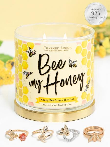 Charmed Aroma - Duftkerze mit Schmuck - Bee My Honey (Ring)
